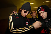 Zlatan Ibrahimovic looks cool in these classic aviator sunglasses.