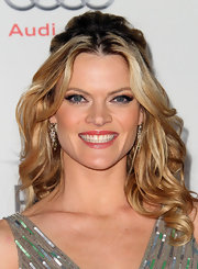 Missi Pyle wore an extra long pair of feathery false lashes at a screening of 'The Artist.'