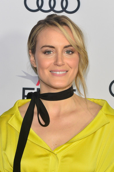 More Pics of Taylor Schilling Satin Clutch (4 of 5) - Clutches Lookbook - StyleBistro [hair,yellow,hairstyle,blond,neck,smile,dress,fashion accessory,cocktail dress,premiere,filmmakers,taylor schilling,california,hollywood,tcl chinese 6 theatres,afi fest,festival filmmakers 3,audi,audi - festival]