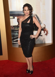 Lacey Chabert showed off her curves in a tight-fitting one-shoulder LBD at the Black & Red Ball.