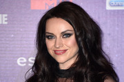AMY MACDONALD Long Wavy Cut