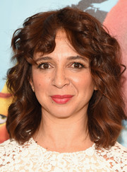 Maya Rudolph attended the 'Angry Birds Movie' UN ceremony and photocall wearing this shoulder-length curly 'do.