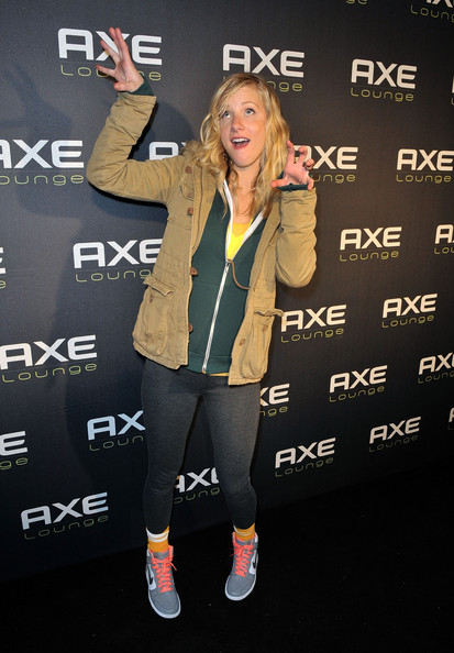 Heather Morris hammed it up for the camera in a pair of vibrant blue pink and orange Nike sneakers.