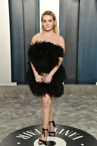 Abigail Breslin Strapless Dress [clothing,fur,skin,fashion,dress,beauty,head,shoulder,fashion model,haute couture,radhika jones - arrivals,radhika jones,abigail breslin,beverly hills,california,wallis annenberg center for the performing arts,oscar party,vanity fair,vanity fair oscar party,fashion,runway,celebrity,oscar party,vanity fair,supermodel,hawtcelebs,model,entertainment]