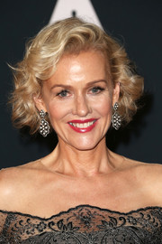 Penelope Ann Miller styled her hair into a short curly 'do for the 2016 Governors Awards.