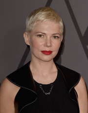 Michelle Williams looked adorable with her signature pixie at the Governors Awards.