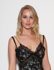 Jennifer Lawrence looked pretty with her feathered waves at the official Academy screening of 'Mother!'