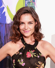 Katie Holmes went ultra girly with this curly 'do during New York Fashion Week.