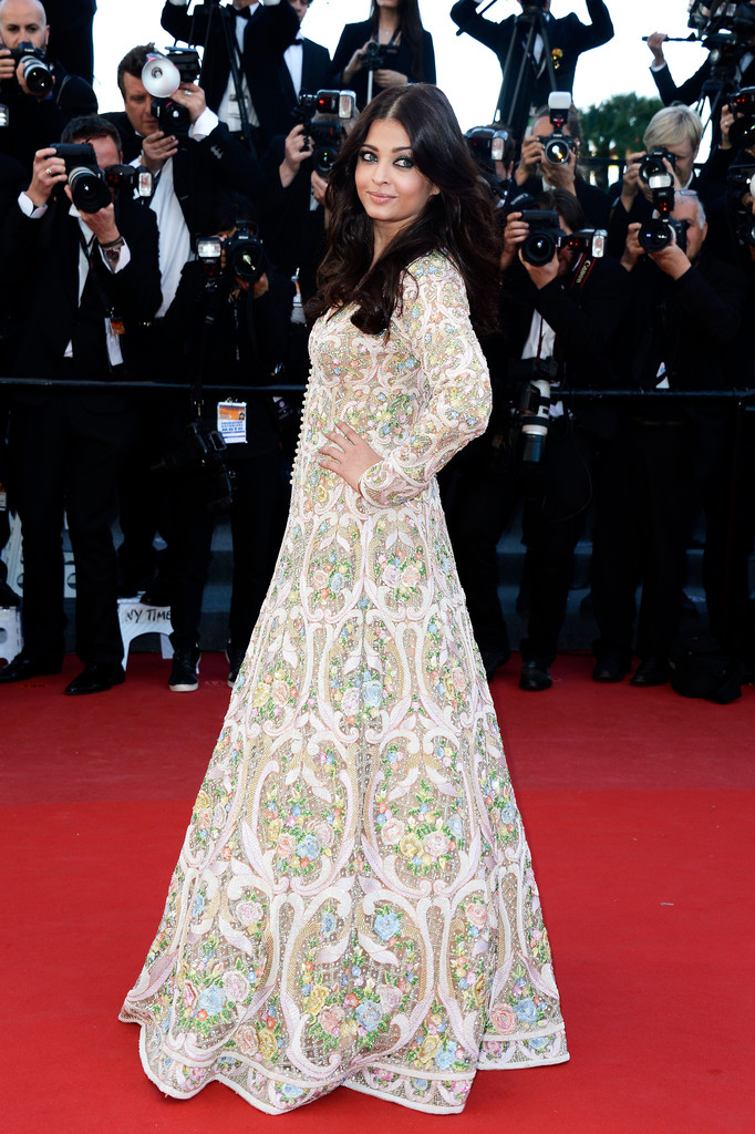 Aishwarya rai 39 s most magnificent cannes moments style for Aishwarya rai in her wedding dress
