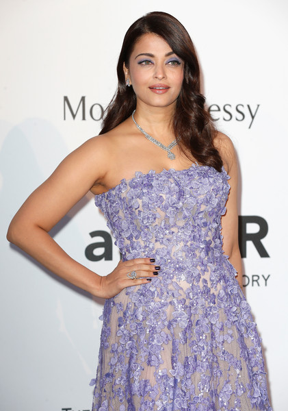 Aishwarya Rai Diamond Ring [dress,clothing,shoulder,fashion model,strapless dress,cocktail dress,long hair,hairstyle,beauty,fashion,arrivals,aishwarya rai,harry winston,bold films,france,cap dantibes,hotel du cap-eden-roc,amfar,cinema against aids gala,22nd cinema against aids gala]