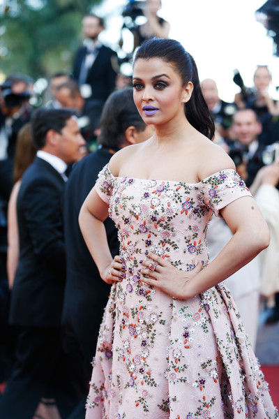 Aishwarya Rai Gemstone Ring [from the land and the moon,shoulder,dress,clothing,fashion,street fashion,fashion model,beauty,premiere,hairstyle,lady,aishwarya rai,cannes,france,red carpet arrivals,cannes film festival,premiere,palais des festivals]