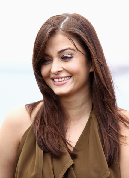 Aishwarya Rai Layered Cut [hair,face,hairstyle,brown hair,layered hair,smile,beauty,blond,chin,eyebrow,aishwarya rai,madhur bhandarkar,ronnie screwvala,photocall - 64th,majestic beach pier,cannes,france,cannes film festival,photocall]