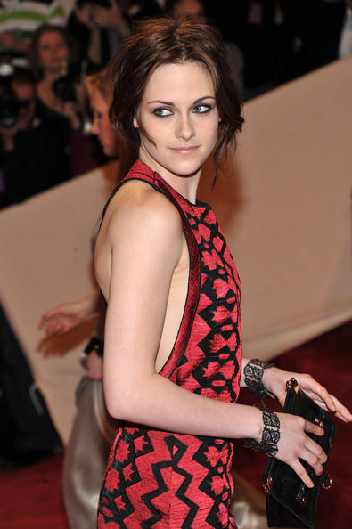The 'Twilight' star wore a pair of 19th Century Berlin Iron scrollwork bracelets to the 2011 Met Gala.