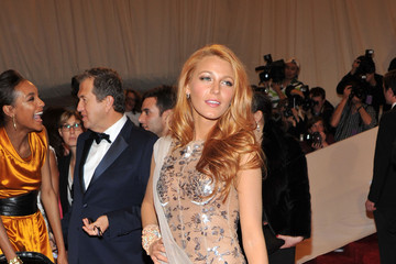 Blake Lively Sparkles in Chanel Couture at the 2011 Met Gala