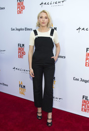 Madelyn Deutch styled her casual outfit with strappy black peep-toe heels.
