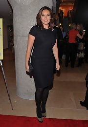 Mariska Hargitay wore a black sheath dress to Ali Wentworth's book launch.