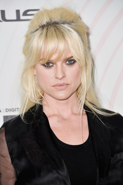Alice Eve Half Up Half Down [hair,face,hairstyle,blond,eyebrow,bangs,beauty,chin,lip,forehead,lancome - arrivals,women in film 2018 crystal lucy awards,alice eve,the beverly hilton hotel,california,beverly hills,max mara,lanc\u00f4me,lexus]