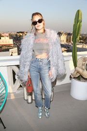 Tallulah Belle Willis continued the rugged vibe with a pair of light-wash boyfriend jeans.