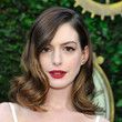 Anne Hathaway's Medium Wavy Locks