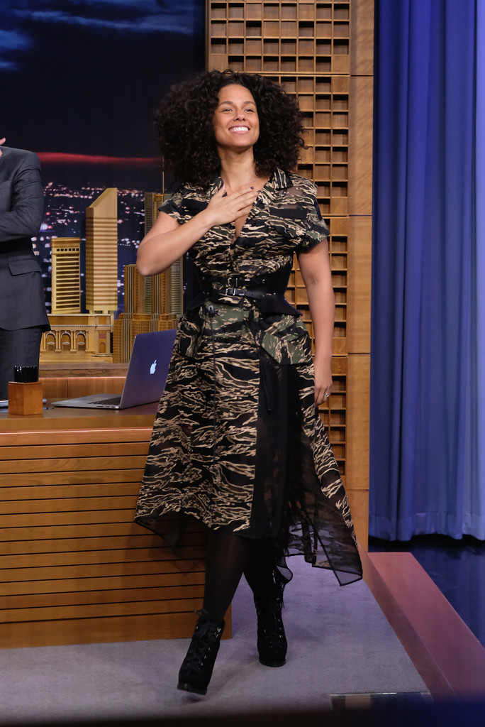 Alicia Keys Print Dress Alicia Keys Clothes Looks