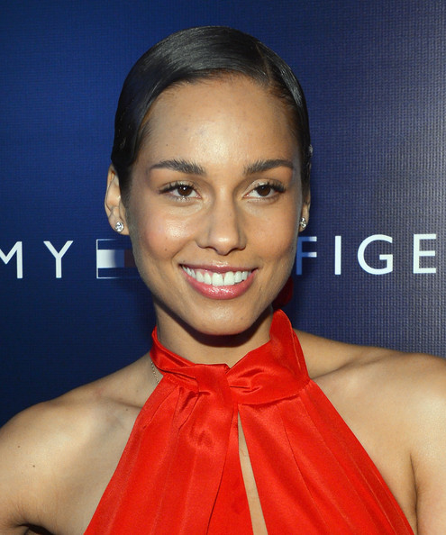 Alicia Keys Short Side Part [hair,face,eyebrow,lip,hairstyle,skin,beauty,forehead,chin,cheek,alicia keys,tommy hilfiger,flagship,west coast,west hollywood,california,private club,party,west coast flagship opening]