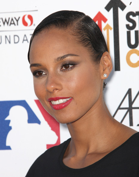 Alicia Keys Short Side Part [hair,face,hairstyle,eyebrow,lip,beauty,forehead,skin,chin,nose,alicia keys,arrivals,benefit,the shrine auditorium,los angeles,california,stand up to cancer]