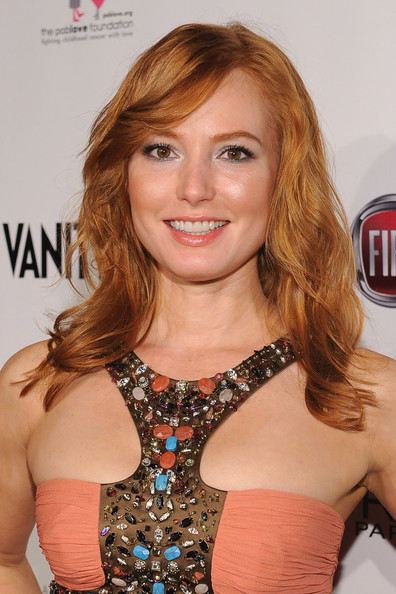 Alicia Witt Long Wavy Cut