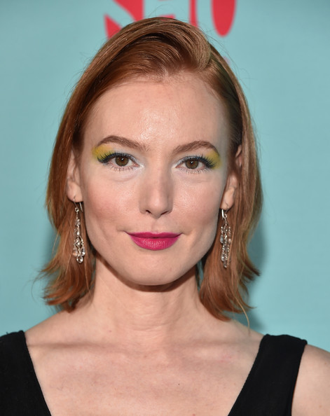 Alicia Witt Short Side Part [house of lies,shameless,episodes,hair,face,hairstyle,eyebrow,lip,blond,chin,beauty,forehead,cheek,alicia witt,seasons,cecconis restaurant,california,showtime celebrates all,red carpet,celebration of all-new seasons of shameless]