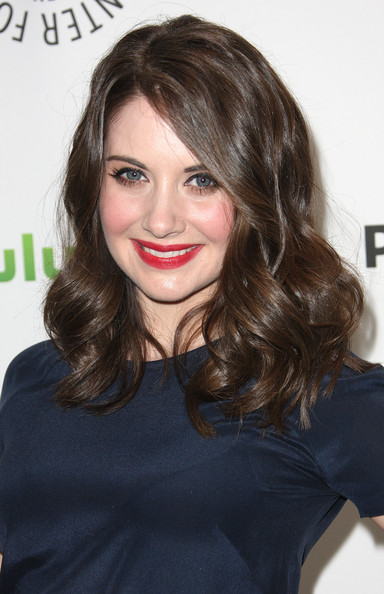 Alison Brie Long Side Part