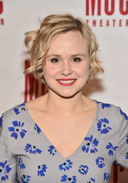 Alison Pill Short Wavy Cut [laurie metcalf,alison pill,hair,hairstyle,blond,premiere,electric blue,lip,long hair,smile,brown hair,miscast 2018,hammerstein ballroom,new york city]