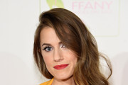 Allison Williams Side Sweep