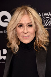 Judith Light attended the premiere of 'Always at the Carlyle' wearing this high-volume wavy 'do.
