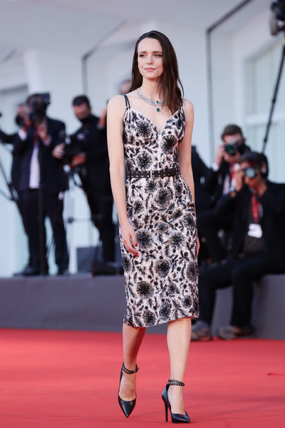 Stacy Martin hit the Venice Film Festival red carpet wearing a chic beaded midi dress by Louis Vuitton.