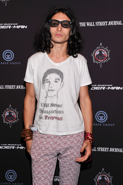 Ezra Miller accented his lounge outfit at 'The Amazing Spider-Man' screening at New York with a long strand of wooden beads.