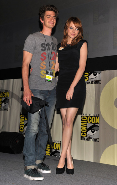 """Andrew Garfield kept things casual in a t-shirt and pair of """"Kane"""" slim straight leg jeans for Comic-Con."""