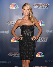 Heidi Klum's glittery gray nail polish perfectly matched her embellished LBD at the 'America's Got Talent' season 9 post-show event.