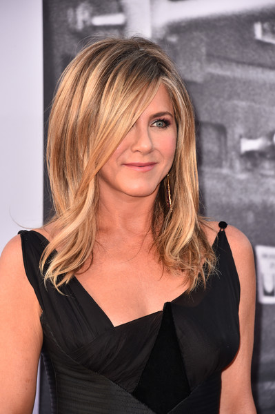 Jennifer Aniston's Bouncy Layers