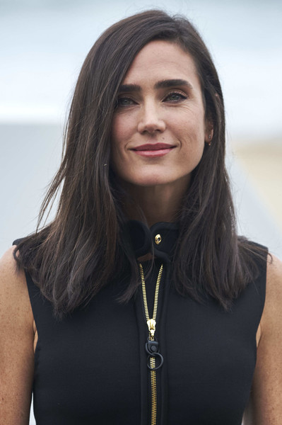 Jennifer Connelly sported a straight side-parted cut during the San Sebastian Film Festival photocall for 'American Pastoral.'