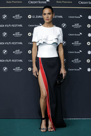 Another red carpet event, another Louis Vuitton frock for Jennifer Connelly. For the Zurich Film Festival premiere of 'American Pastoral,' she picked this tricolor number from the brand, featuring a tiered bodice and a high side slit.