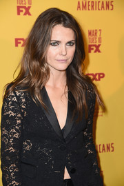 Keri Russell wore her hair loose in a gently wavy style at the premiere of 'The Americans' season 5.