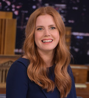 Amy Adams looked oh-so-lovely with her face-framing waves during her 'Jimmy Fallon' appearance.