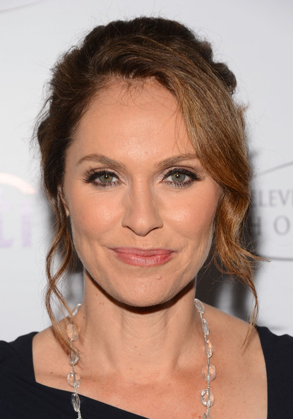 Amy Brenneman Bobby Pinned updo