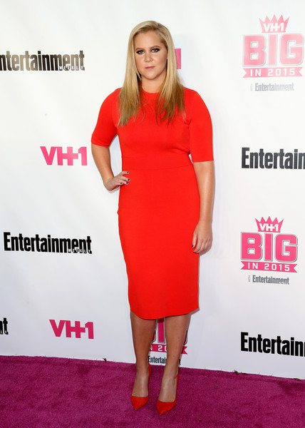 Amy Schumer Pumps [flooring,fashion model,dress,shoulder,carpet,cocktail dress,joint,fashion,red carpet,magenta,amy schumer,entertainment weekly awards,west hollywood,california,pacific design center,vh1 big]