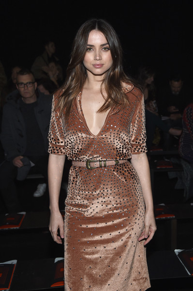 Ana de Armas Leather Belt [fashion model,fashion,clothing,fashion show,dress,runway,haute couture,event,long hair,public event,winter 2018,ana de armas,ny,bottega veneta,bottega veneta fall,new york stock exchange,fashion show,fall winter 2018 fashion show]
