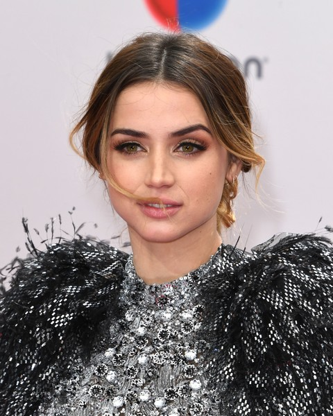 Ana de Armas Chignon [photo,hair,face,lip,eyebrow,hairstyle,beauty,blond,fashion,chin,long hair,arrivals,ana de armas,mark ralston,cuban,las vegas,nevada,afp,latin grammy awards]
