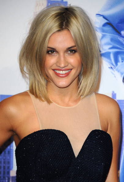 More Pics of Ashley Roberts Mid-Length Bob (1 of 3) - Ashley Roberts Lookbook - StyleBistro [anchorman 2: the legend continues premiere,hair,blond,hairstyle,eyebrow,long hair,cocktail dress,shoulder,layered hair,lip,brown hair,ashley roberts,uk,england,london,vue west end,premiere]