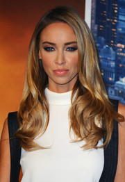 Lauren Pope wore her hair in gorgeous, silky waves at the premiere of 'Anchorman 2.'