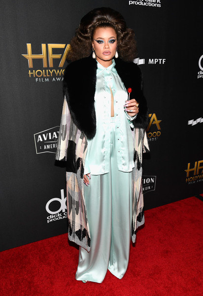 Andra Day Printed Coat [red carpet,red carpet,clothing,carpet,flooring,fashion,outerwear,formal wear,dress,premiere,black hair,andra day,beverly hills,california,the beverly hilton hotel,annual hollywood film awards]