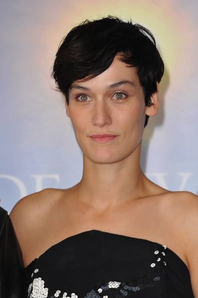 Clotilde Hesme attended the Deauville Film Festival photocall for 'Angele et Tony' wearing her hair in a boy cut.