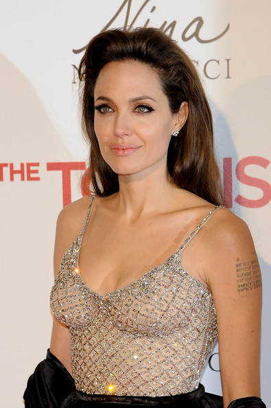 Angelina+Jolie in Angelina Jolie and Johnny Depp Attend 'The Tourist' Madrid Premiere